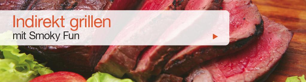 Die Speisen werden bei einer Temperatur zwischen 160° – 260°C gegrillt, entweder direkt auf dem Grillrost oder auf der Gussplatte (siehe Zubehör) in der Garkammer, die direkt neben der Brennkammer liegt (eignet sich zum Grillen von Steaks). Diese Methode nutzt die gleichmässige Strömung der heissen Luft, ähnlich wie ein Umluftofen. Die Speisen kommen nicht in direkten Kontakt mit Feuer, somit bleiben sie saftig und brennen nicht an.
